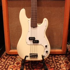 1995 Fender Precision Fretless Bass