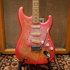 Vintage-1987-Fender-Pink-Paisley-Japan-Stratocaster