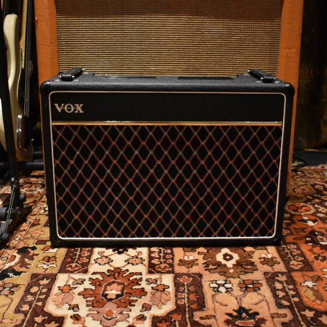 Vintage 1980s Vox V15 2x10 Combo Amplifier
