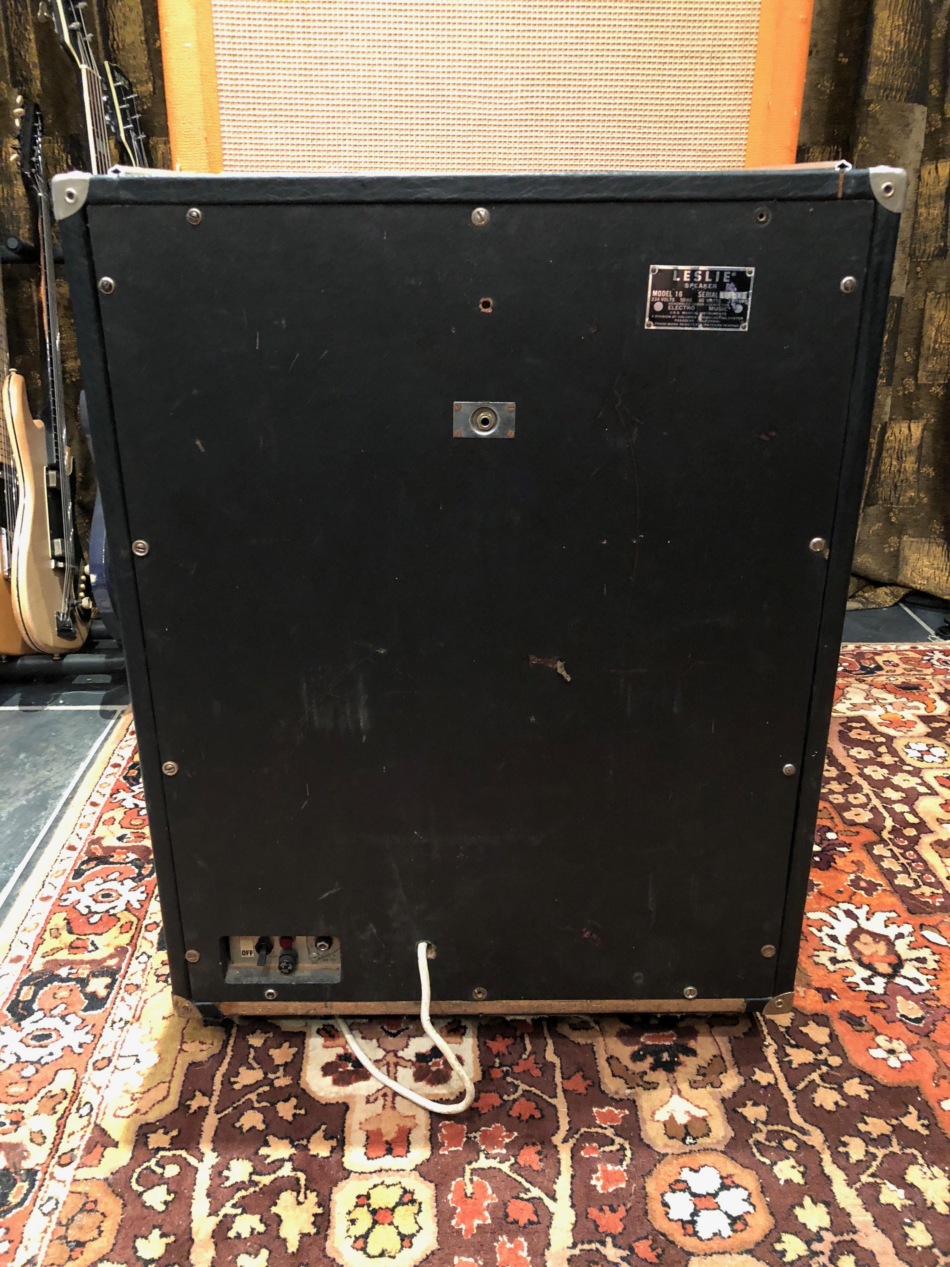 vintage leslie model 16 export vibratone rotating speaker cabinet guitar. Black Bedroom Furniture Sets. Home Design Ideas